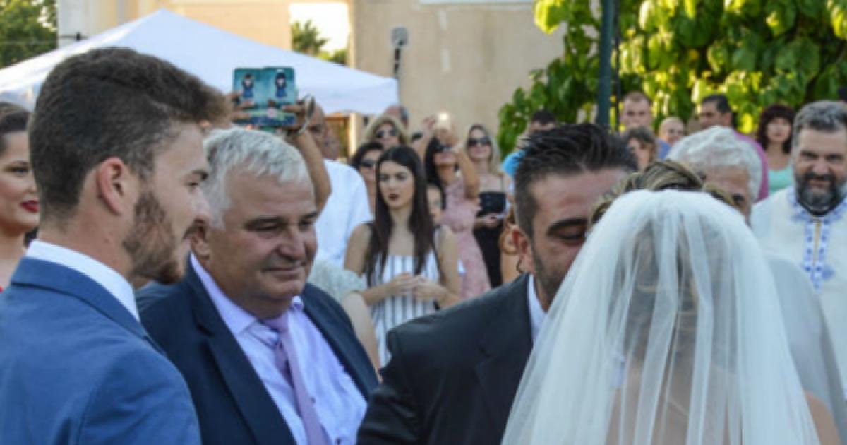 Ο Επικός Γάμος Ζευγαριού στην Ηλεία που Έγινε Viral!