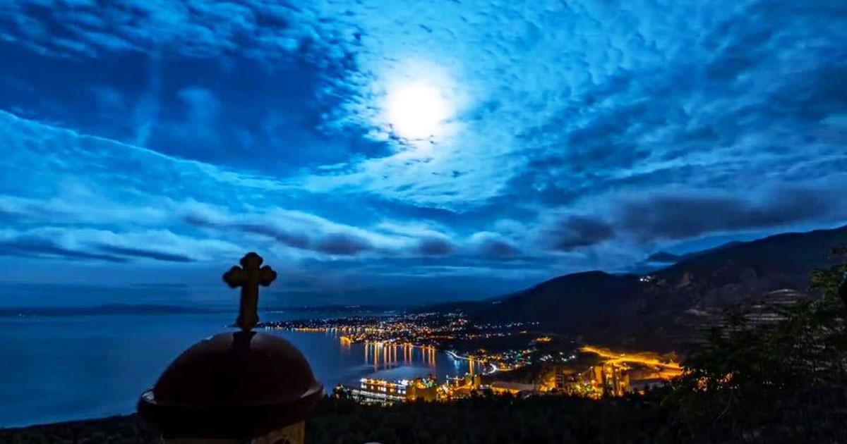 Το βίντεο Έλληνα που αγάπησε το Χόλιγουντ. Ο ελληνικός ουρανός 365 ημέρες το χρόνο.