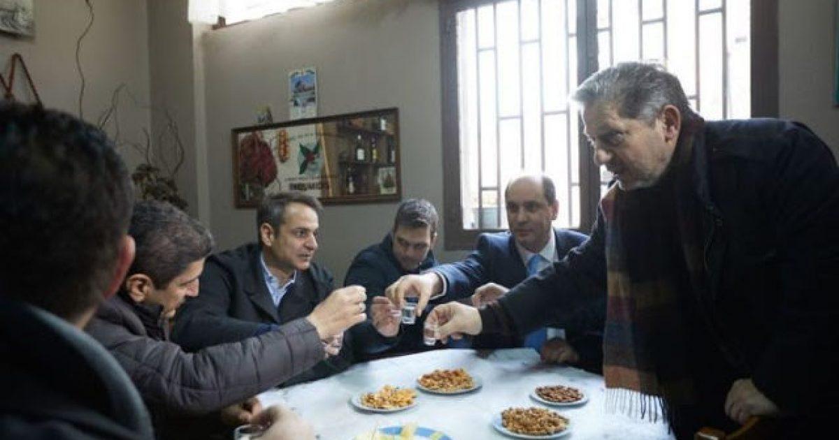 «Έφυγαν και δεν μας πλήρωσαν», λέει ιδιοκτήτρια καφενείου στην Κρήτη για την επίσκεψη Μητσοτάκη