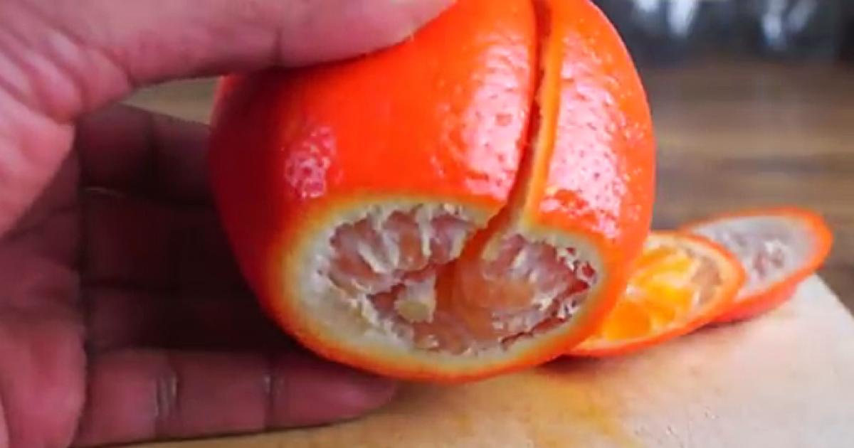 Αυτός είναι ο πιο γρήγορος τρόπος για να καθαρίσετε ένα πορτοκάλι.