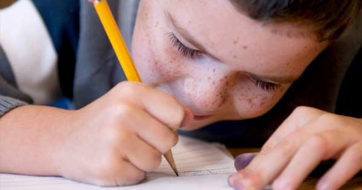 Γιατί η «συνταγή» της μάθησης είναι στο μολύβι και όχι στο πληκτρολόγιο