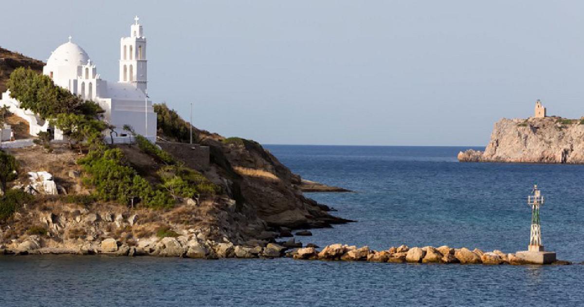 Το νησί της Ελλάδας που λέγεται ότι έχει μία εκκλησία για κάθε ημέρα του χρόνου.