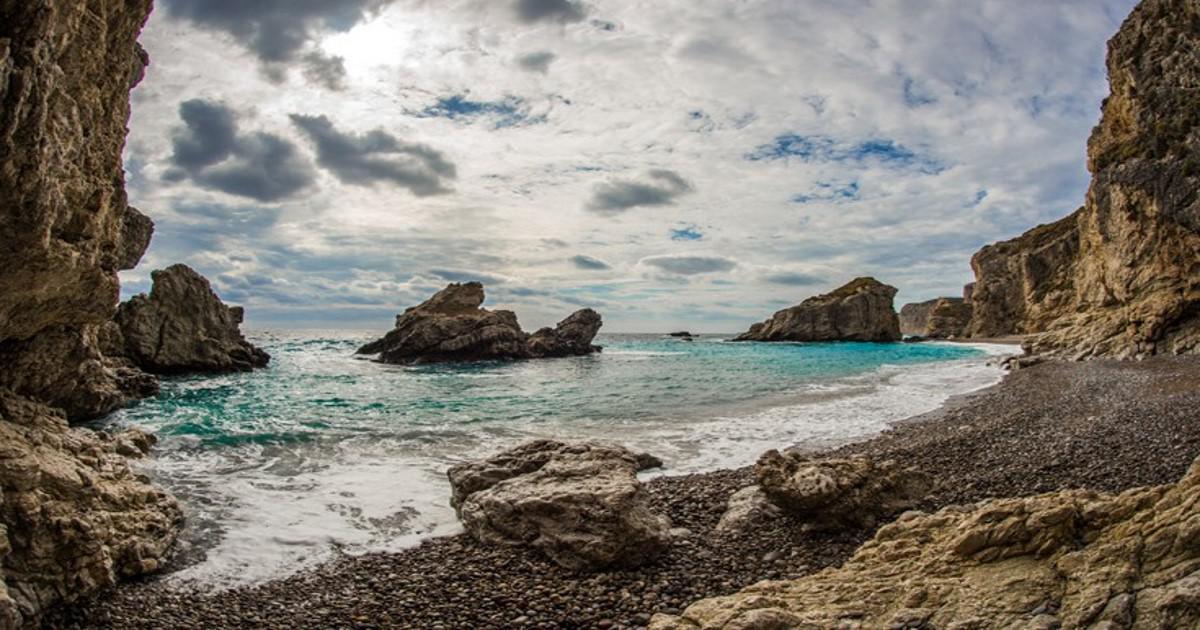 Το πανέμορφο νησί της Ελλάδας που ονομαζόταν Πορφυρούσα
