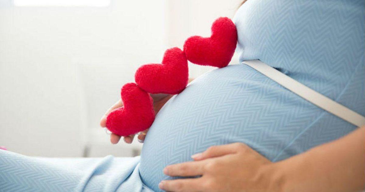 H ηλικία της πρώτης γέννας δείχνει μέχρι πότε μπορεί να ζήσει μια γυναίκα