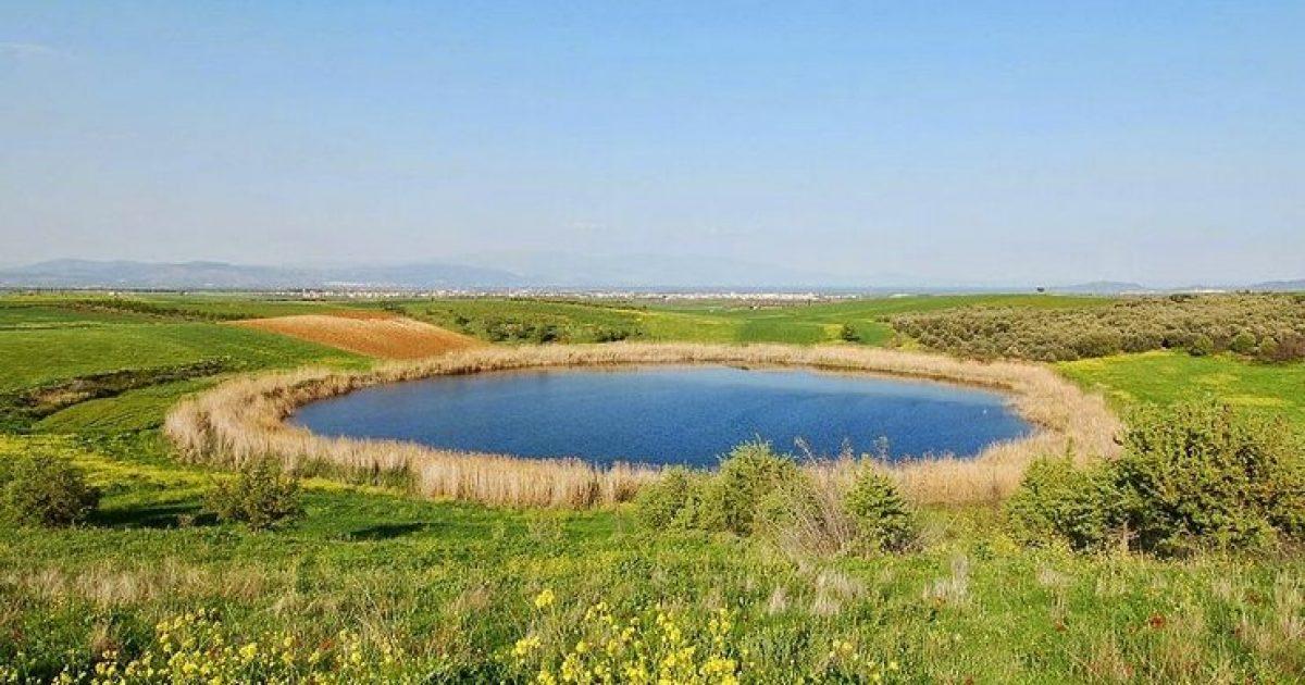 Οι μοναδικές λίμνες στην Ελλάδα που δημιουργήθηκαν από πτώση μετεωριτών.