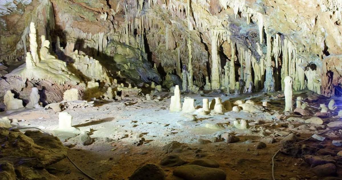 Ένα από τα ωραιότερα σπήλαια στον κόσμο βρίσκεται στην Ελλάδα!