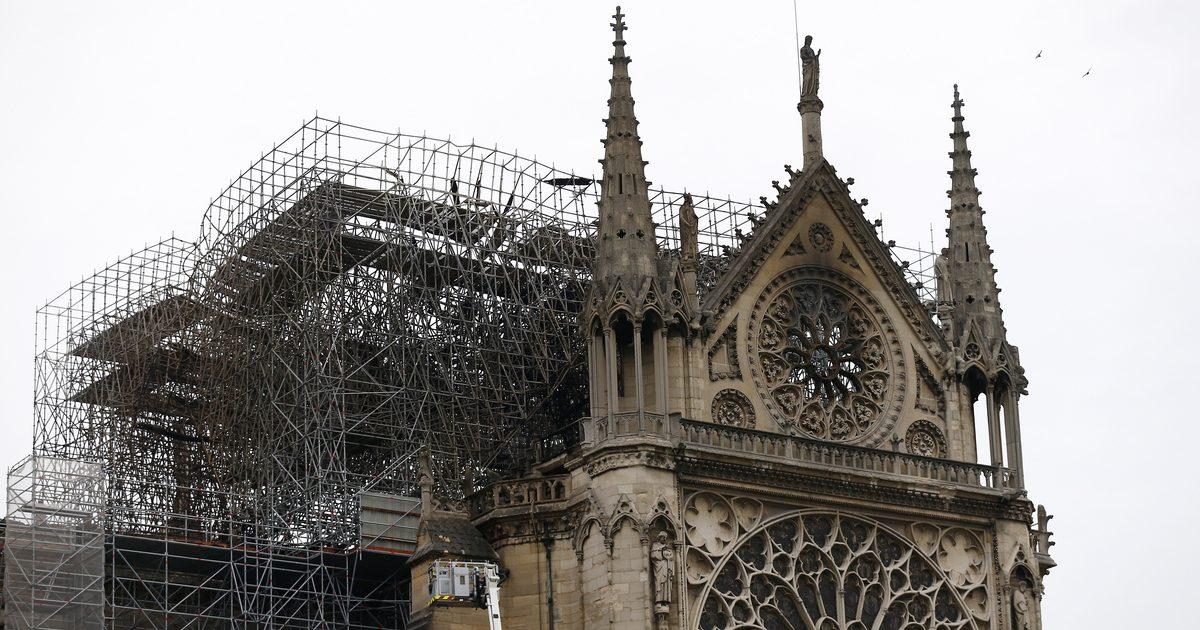 Παναγία των Παρισίων: Η οικογένεια Αρνό δωρίζει 200 εκατομμύρια ευρώ για τον ναό