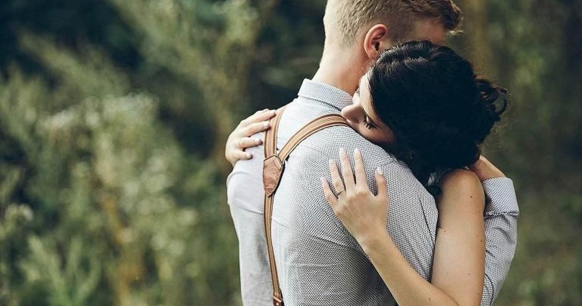 Εκείνες οι αγκαλιές που κολλάνε όλα τα σπασμένα σου…
