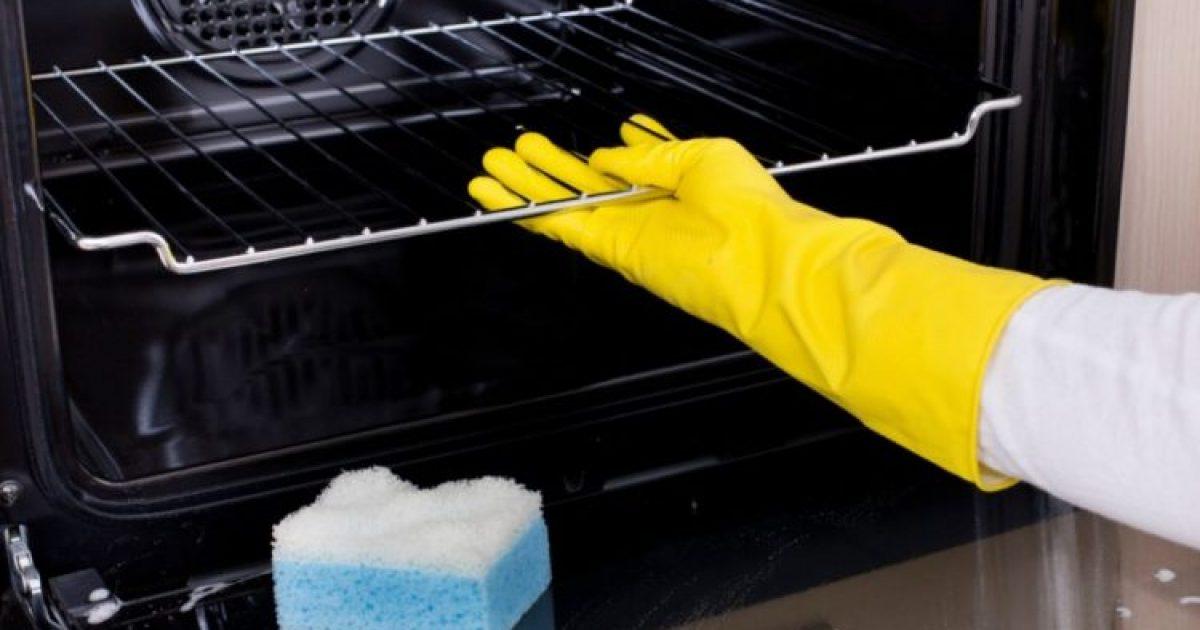 Ο πανεύκολος τρόπος για να καθαρίσεις τον φούρνο σου χωρίς τρίψιμο