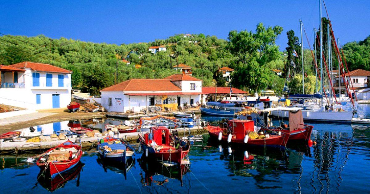 Το νησί που δεν έχει αυτοκίνητα και με 10 ευρώ τη μέρα κάνεις ονειρικές διακοπές