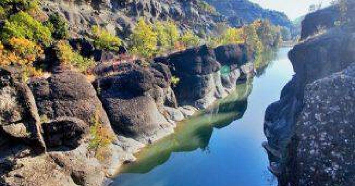 Ένας από τους ωραιότερους ποταμούς της Ελλάδας βρίσκεται στα Γρεβενά