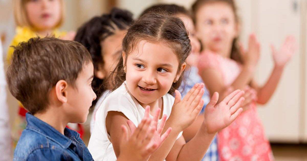 Πέντε λόγοι για να σταματήσουμε να λέμε «μπράβο» στα παιδιά