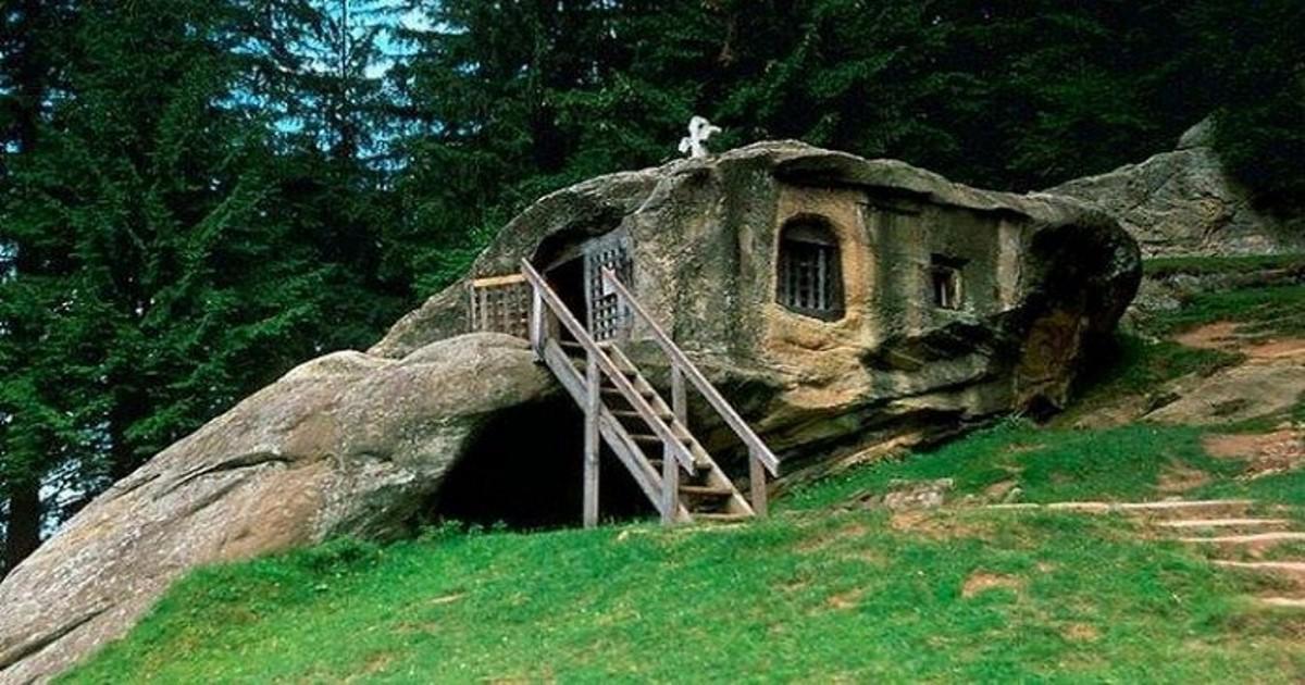 23 πανέμορφα σπίτια χτισμένα κυριολεκτικά μέσα στη φύση που προκαλούν δέος!