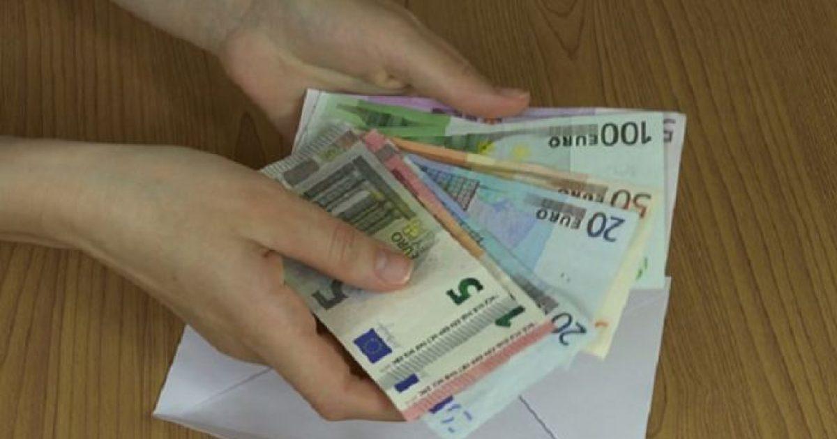 Τρία επιδόματα που δίνει ο ΟΑΕΔ σε όσους δε δικαιούνται επίδομα ανεργίας