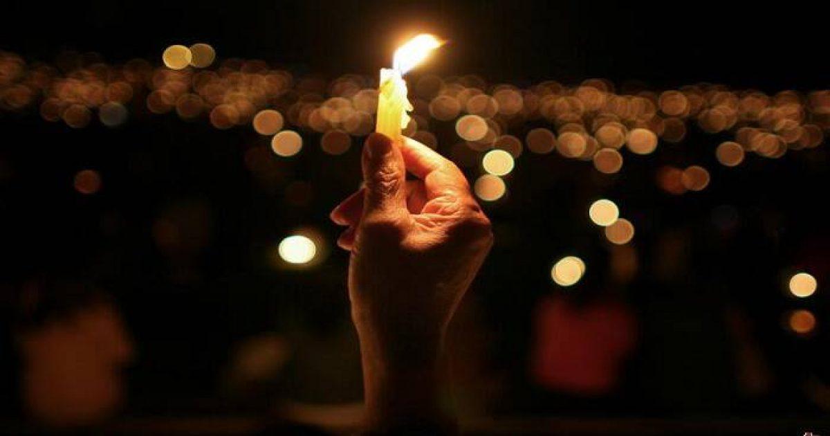 Κάνε αυτό την ώρα που ανάβεις ένα κερί και θα δεις εκπληκτικά πράγματα να συμβαίνουν..