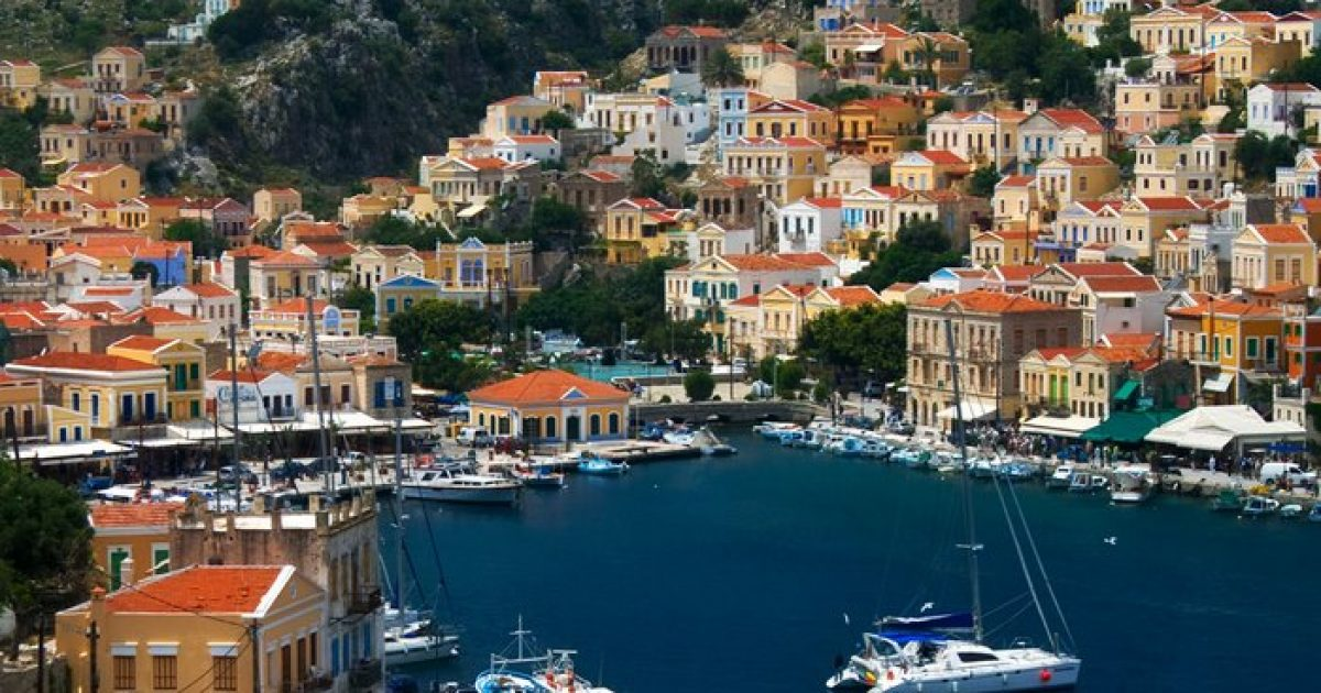 Σύμη: Μια κουκίδα του ελληνικού χάρτη στα Δωδεκάνησα
